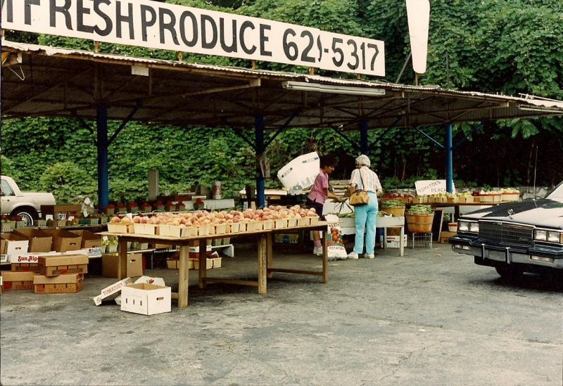 Linda's Fruitstand- East Ridge, TN 1992